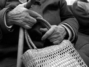 Кража денег у бабушки